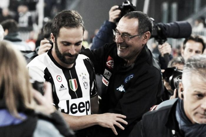 """Sarri rasga elogios a Higuaín após derrota do Napoli para Juventus: """"Ele é um fenômeno"""""""