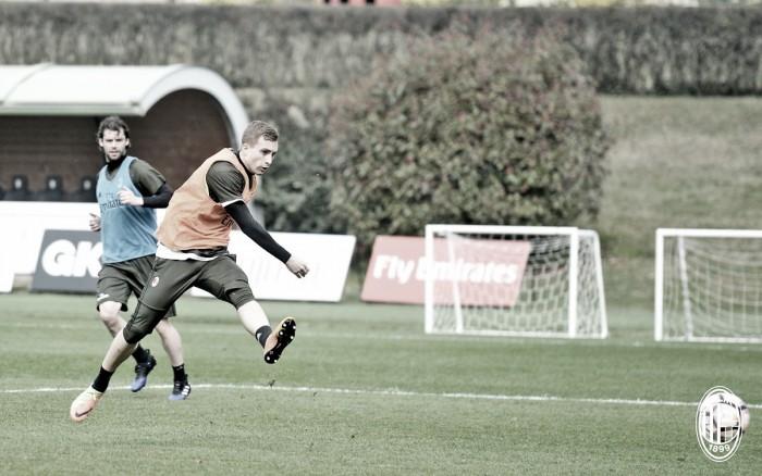 Milan, le ultime da Milanello: oggi è stato provato l'attacco con Lapadula, Deulofeu e Ocampos