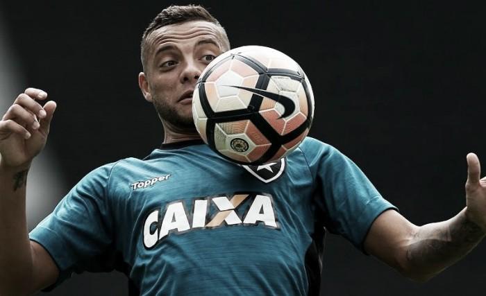 Com as duas equipes em grande fase, Botafogo e Bahia se enfrentam no Nilton Santos