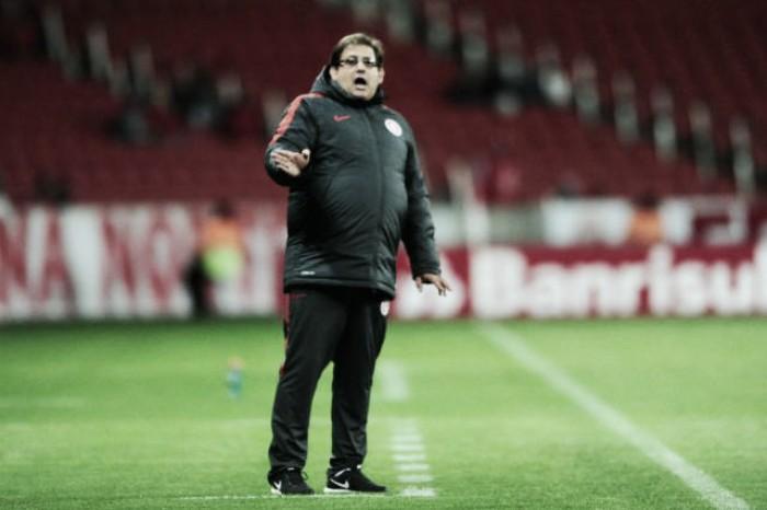 """Guto Ferreira rebate críticas e valoriza vitória: """"Não é por ser Série B que os jogos serão fáceis"""""""