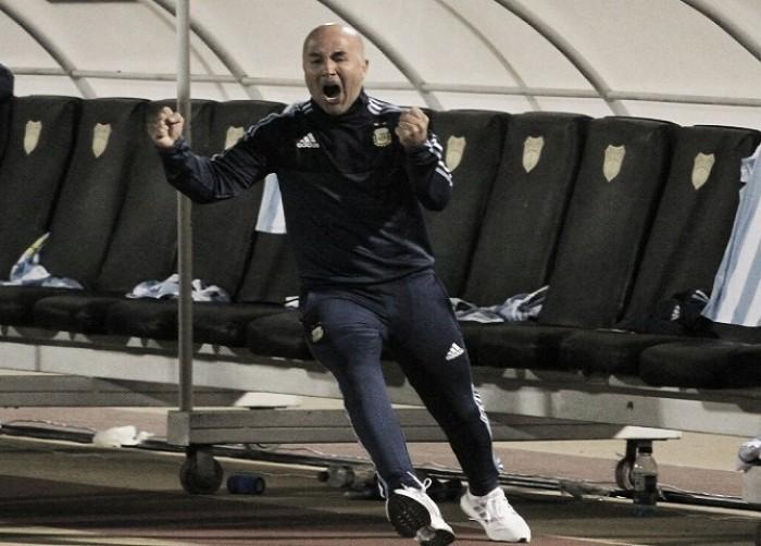 "Sampaoli comemora vaga na Copa e destaca: ""Futebol deve um Mundial a Messi"""