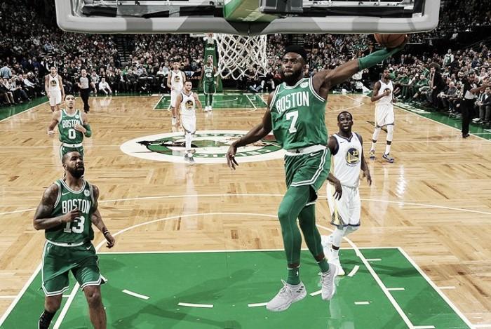 No duelo dos líderes, Celtics vencem Warriors de virada e mantém sequência de vitórias