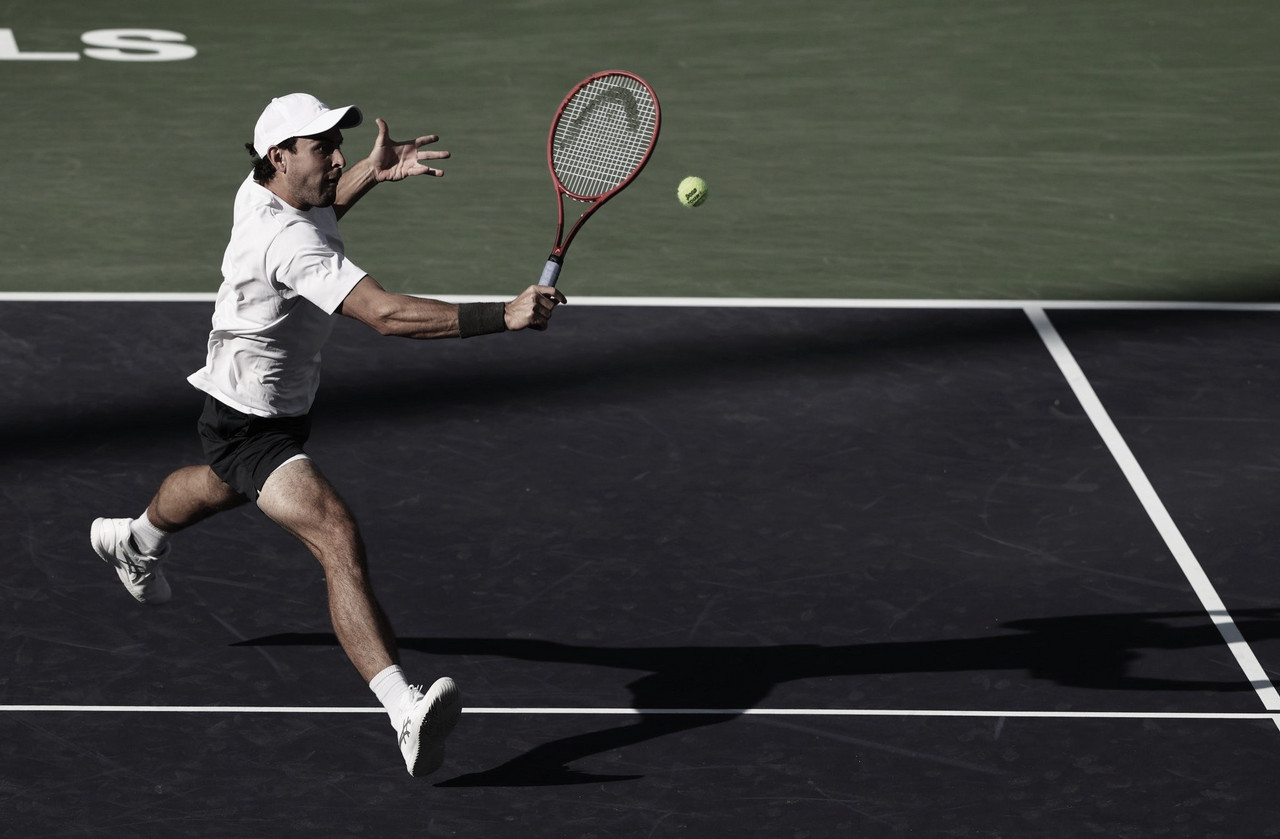 Karatsev desbanca Shapovalov e vai às oitavas no Masters 1000 de Indian Wells