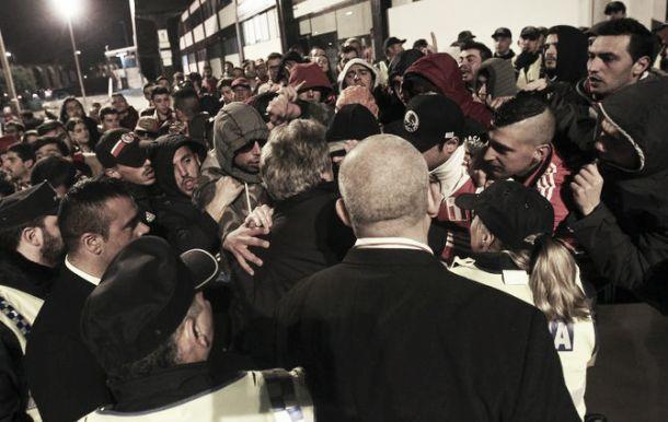 Adeptos benfiquistas irritados após derrota de Vila do Conde