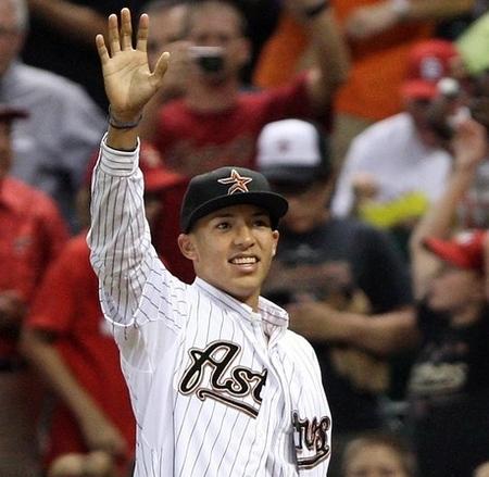 Carlos Correa firma con los Astros
