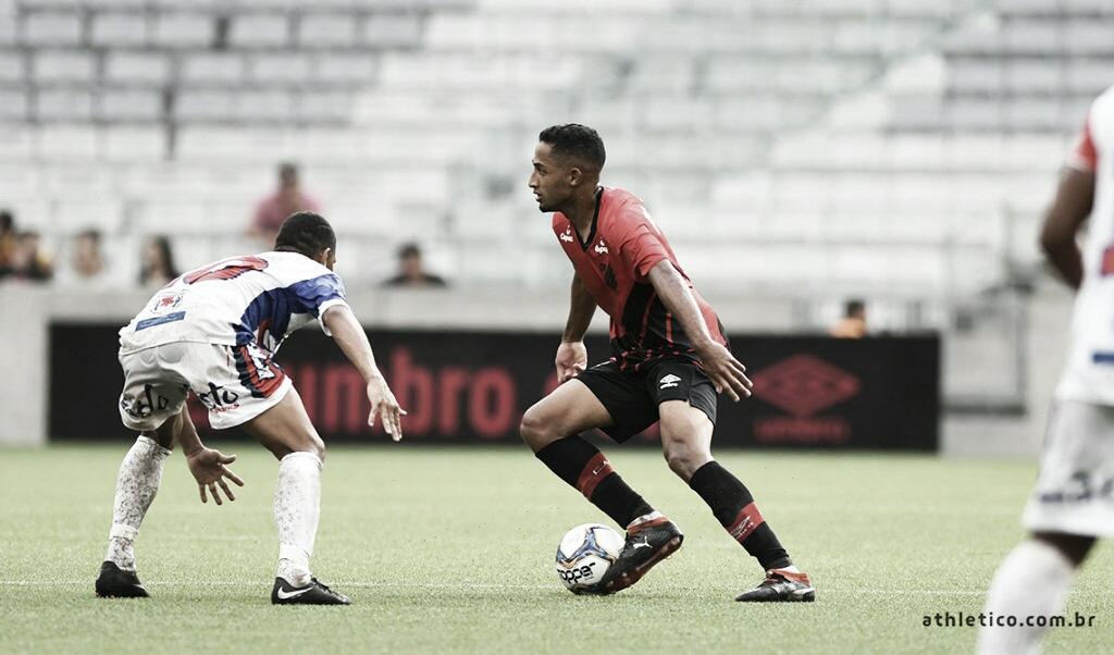Cascavel derrota Athletico-PR naestreia do Campeonato Paranense