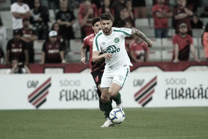 Athletico e Chapecoense se enfrentam em busca da reabilitação no Brasileirão
