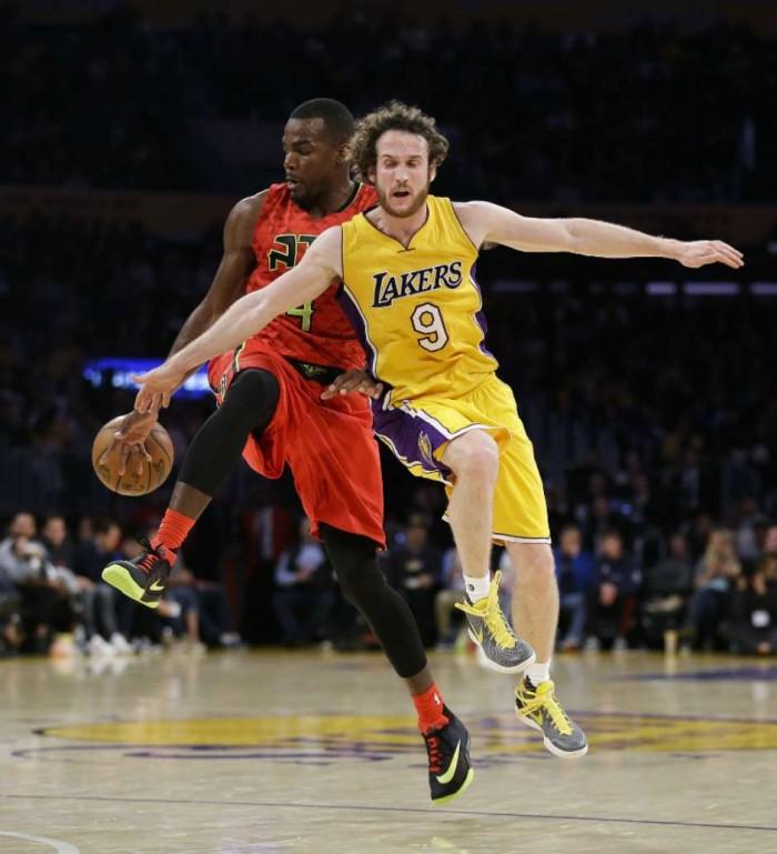 Los Lakers, a media máquina