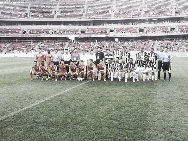 Ronaldinho se destaca e Atlético-MG goleia no primeiro amistoso na China