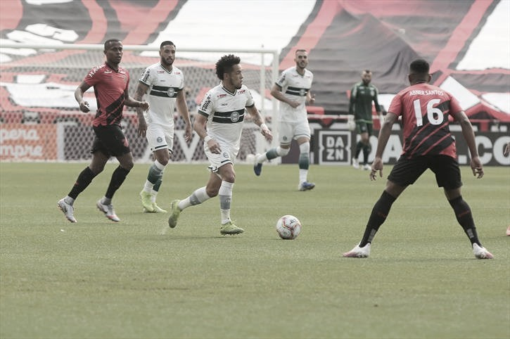 Com gol no fim, Athletico vence Coritiba e fica a um passo do título paranaense
