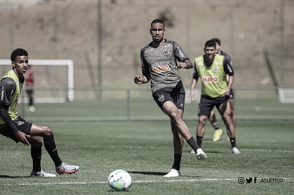 Atlético-MG encara Corinthians em duelo de fortes defesas no Mineirão