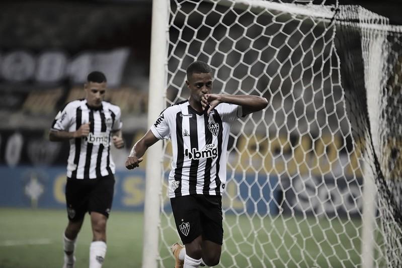 Atlético-MG comanda ações e vence Goiás em mais um show de Keno