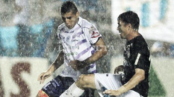 Atlético Tucumán ganaba, pero la lluvia impidió terminar el juego