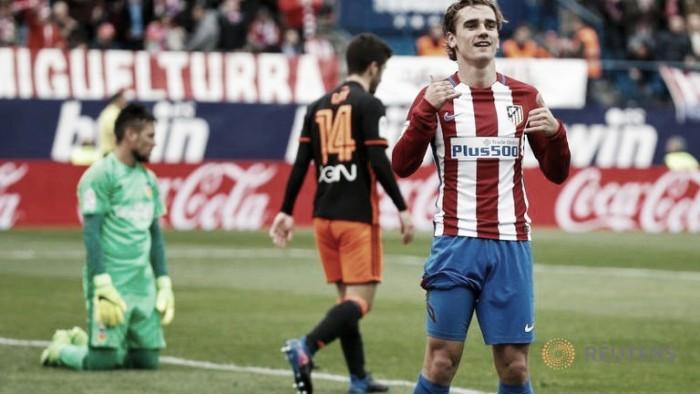 Liga - L'Atletico passeggia sul Valencia: 3-0 al Calderon