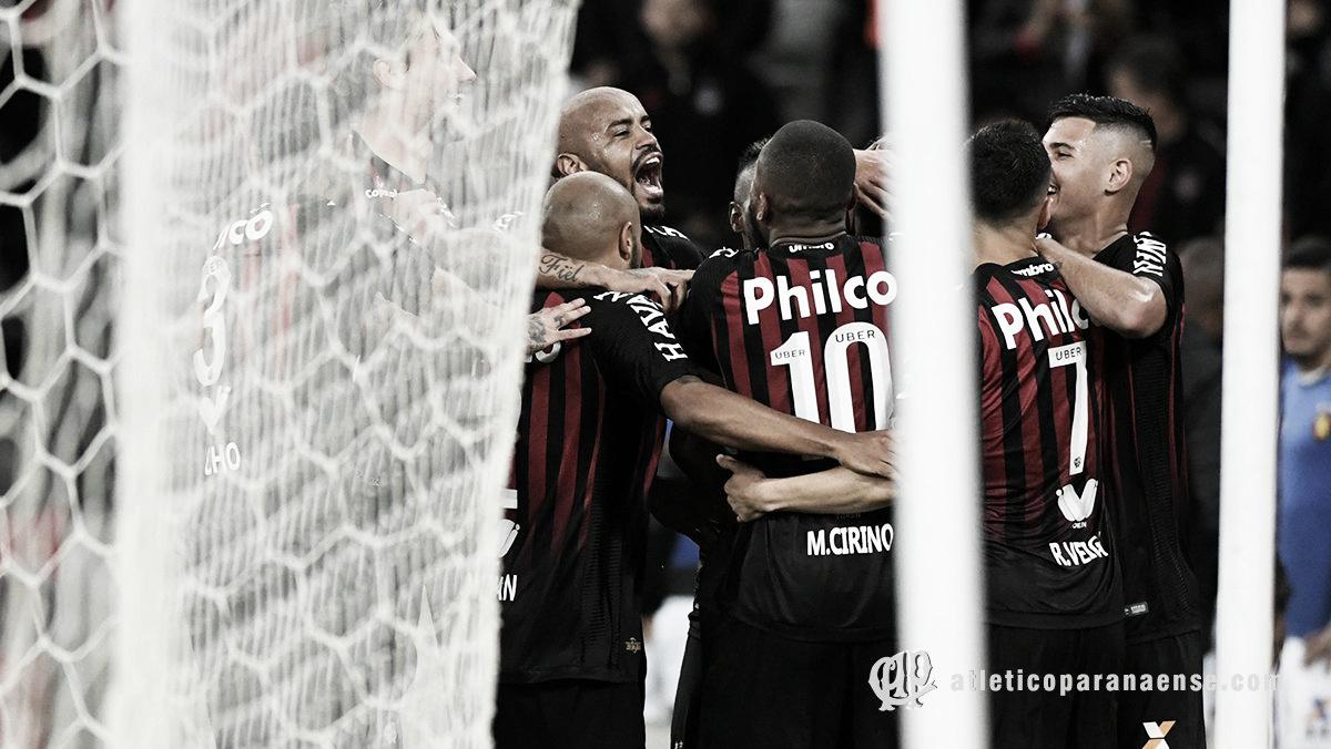 Atlético-PR goleia Sport e alcança marca histórica dentro de casa