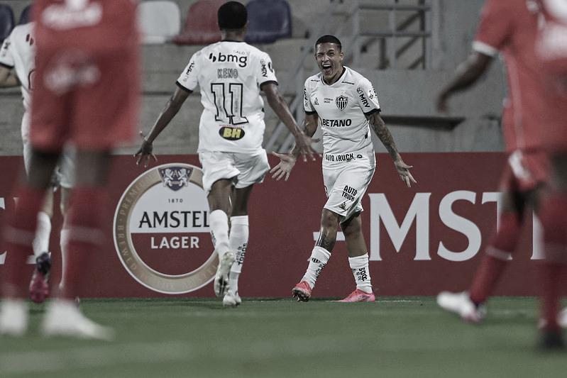 Numa noite conturbada, Atlético-MG bate América de Cáli e avança de fase na Libertadores