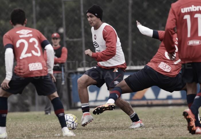 Atlético-PR encara Santa Cruz buscando sair da zona do rebaixamento