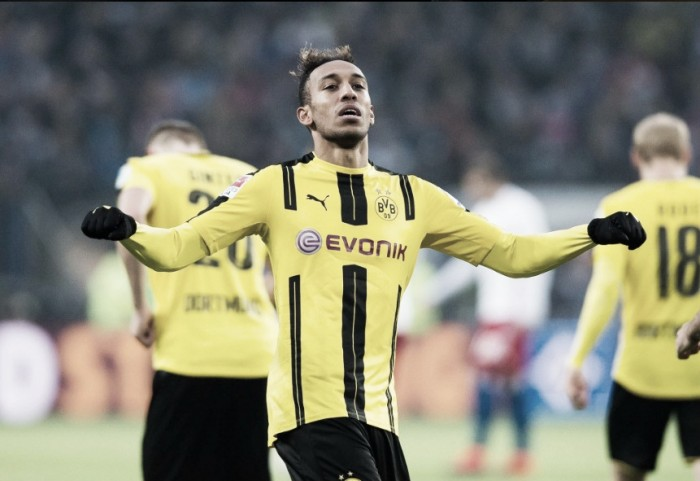 Autor de quatro gols, Aubameyang celebra goleada do Borussia e se desculpa com torcida