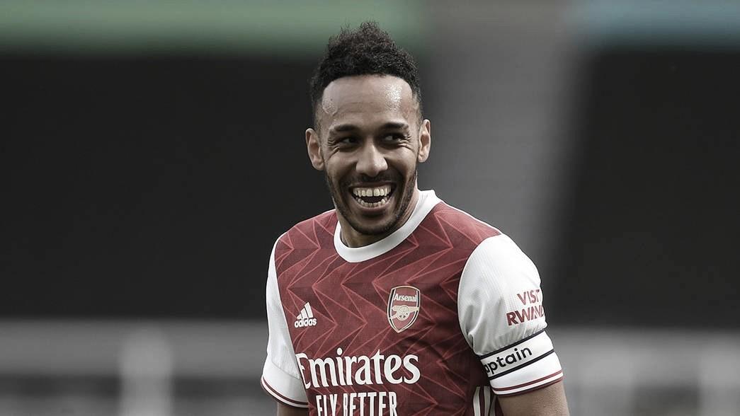 Arsenal vence após três jogos e Arteta comemora volta de Aubameyang com gol