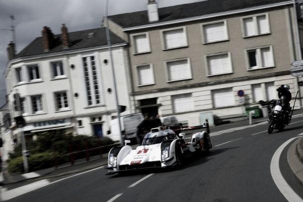 Audi apresenta cores do novo R18 pelas ruas de Le Mans