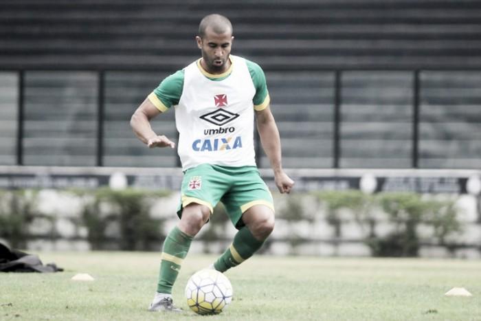 """Júlio César mostra confiança para bater Santa Cruz e avançar na Copa do Brasil: """"Podemos ir lá e vencer"""""""