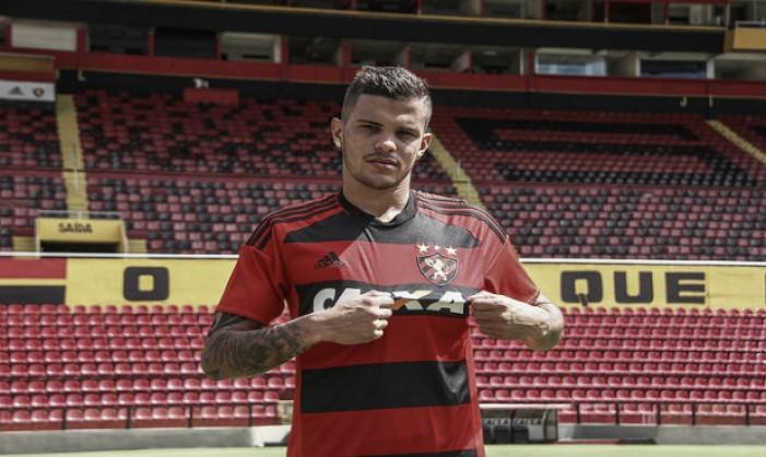 Sport devolve lateral-direito Auro ao São Paulo por conta de regulamento da CBF