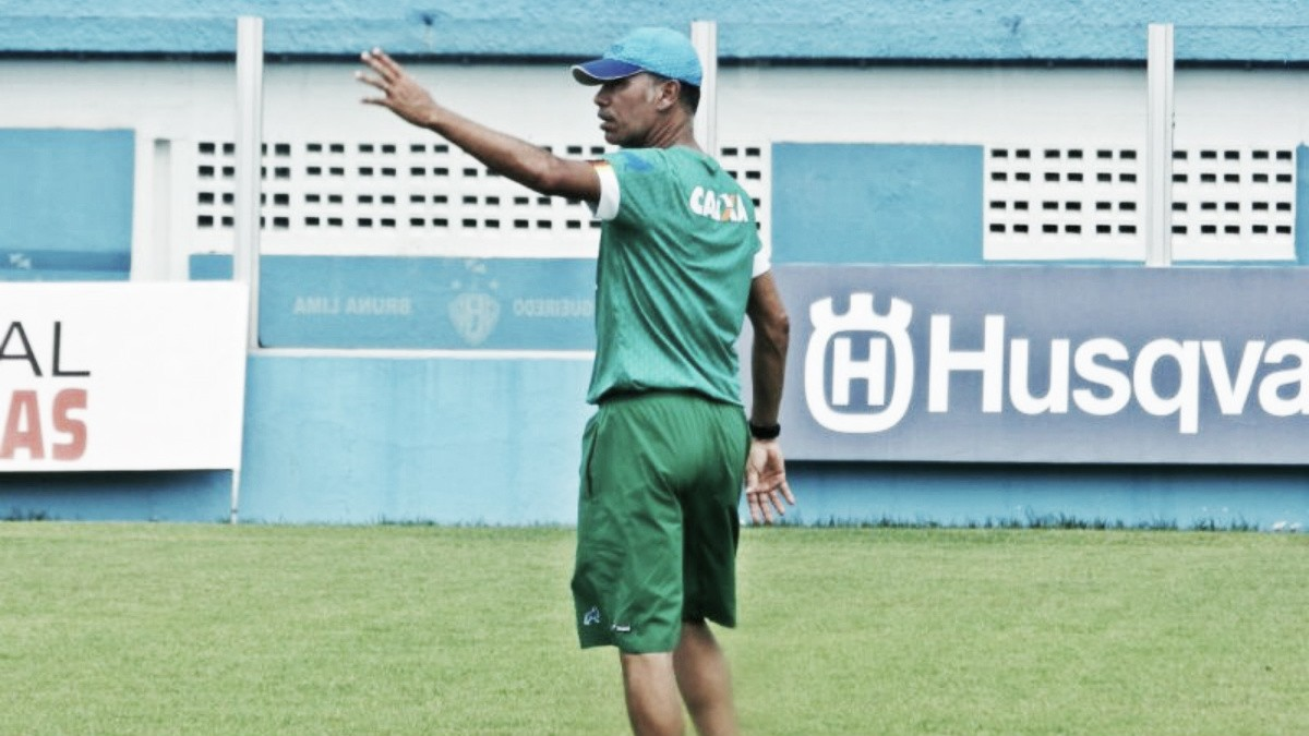Auxiliar técnico do Paysandu, Aílton Costa analisa confronto com Santos-AP