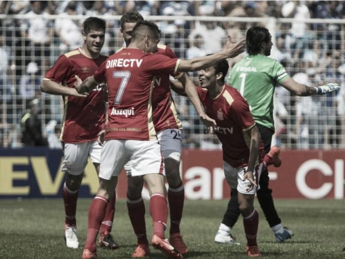 Estudiantes de La Plata supera a Atlético de Tucumán