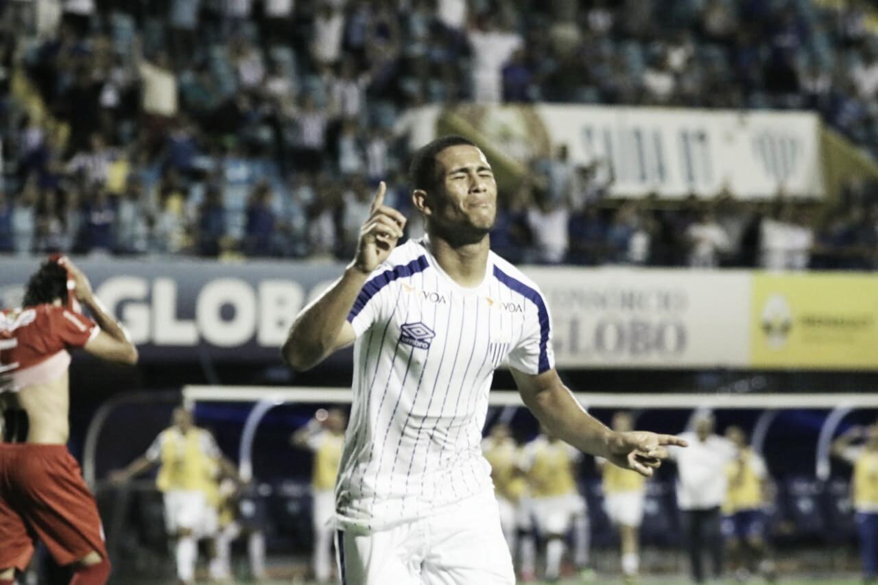 Avaí goleia Hercílio Luz e se mantém próximo da liderança do Campeonato Catarinense