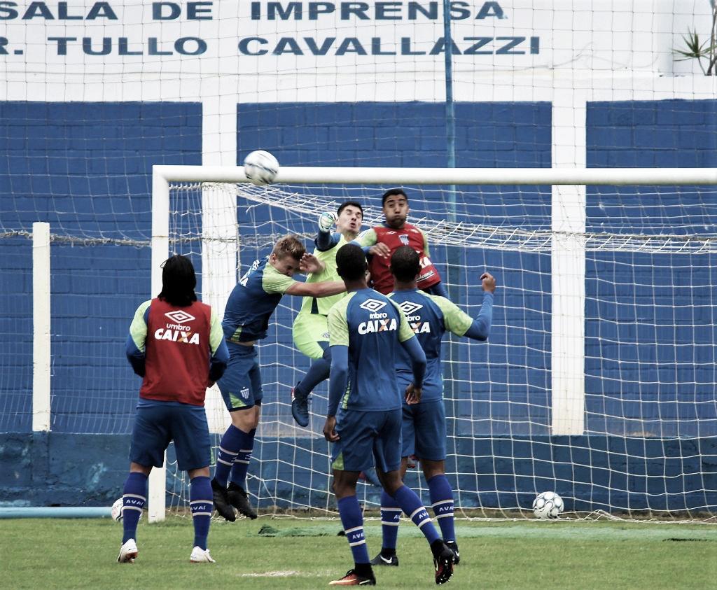 Sem margem de erro, Avaí recebe lanterna Boa Esporte tentando se segurar no G-4