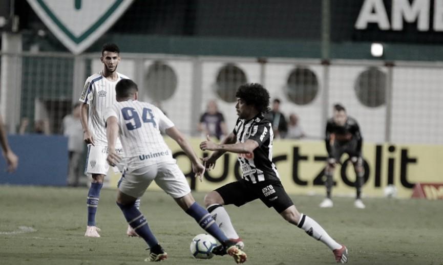 Avaí recebe time misto do Atlético-MG tentando largar lanterna do Brasileiro