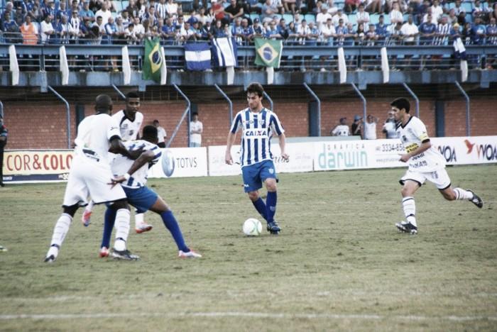 Em jogo de reencontros, Avaí e Ceará buscam aproximação ao G-4
