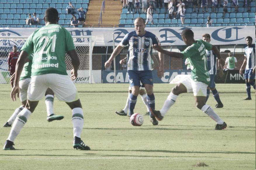 Em jogo atrasado da nona rodada, Avaí e Chapecoense duelam por liderança do Catarinense