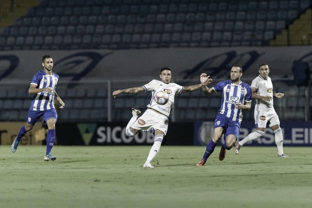 Com gol de Valdívia, Avaí marca nos acréscimos e busca empate contra Cruzeiro