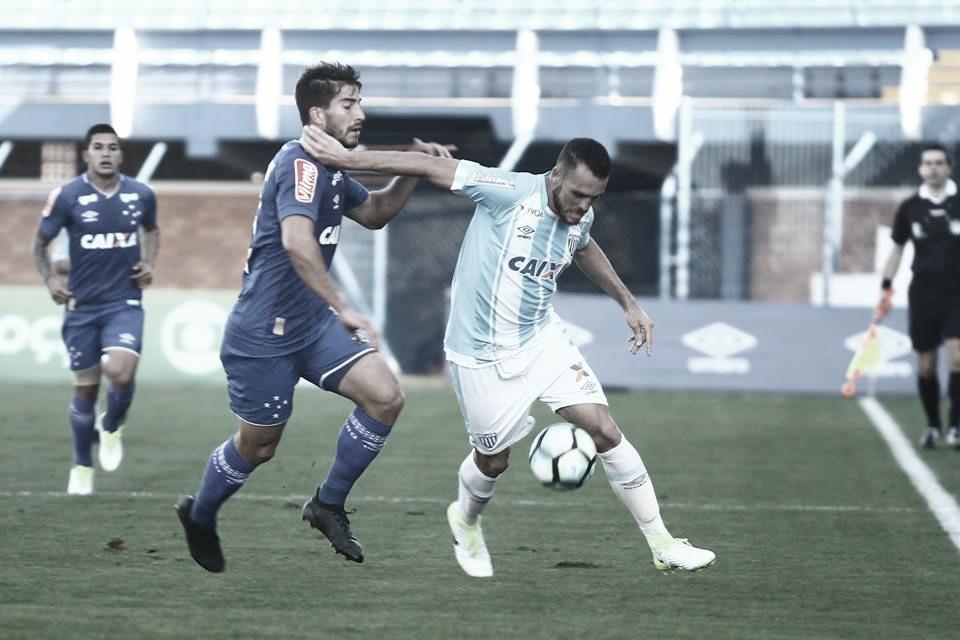 Somando uma vitória nos últimos 34 jogos, Avaí e Cruzeiro buscam recuperação imediata no Brasileiro