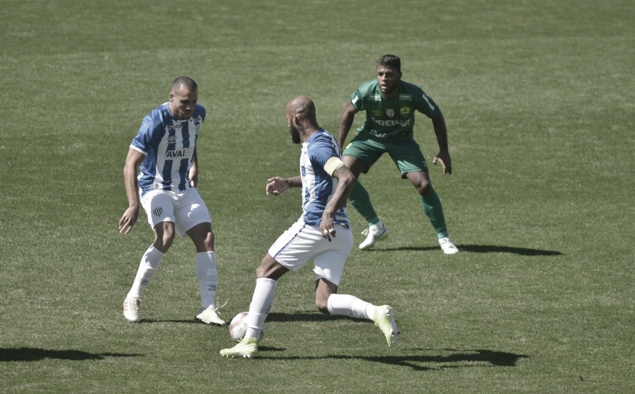 Com dois de Rafael Gava, Cuiabá vence fora de casa e aumenta pressão no Avaí