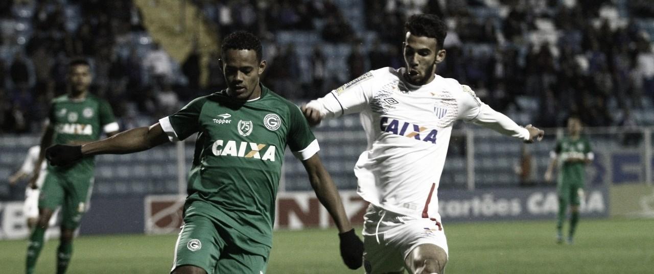 Avaí recebe Goiás buscando primeira vitória no Campeonato Brasileiro