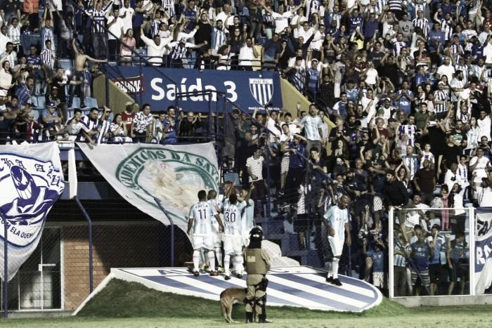 Com gols no segundo tempo, Avaí vence Palmeiras e vê saída do Z-4 mais próxima