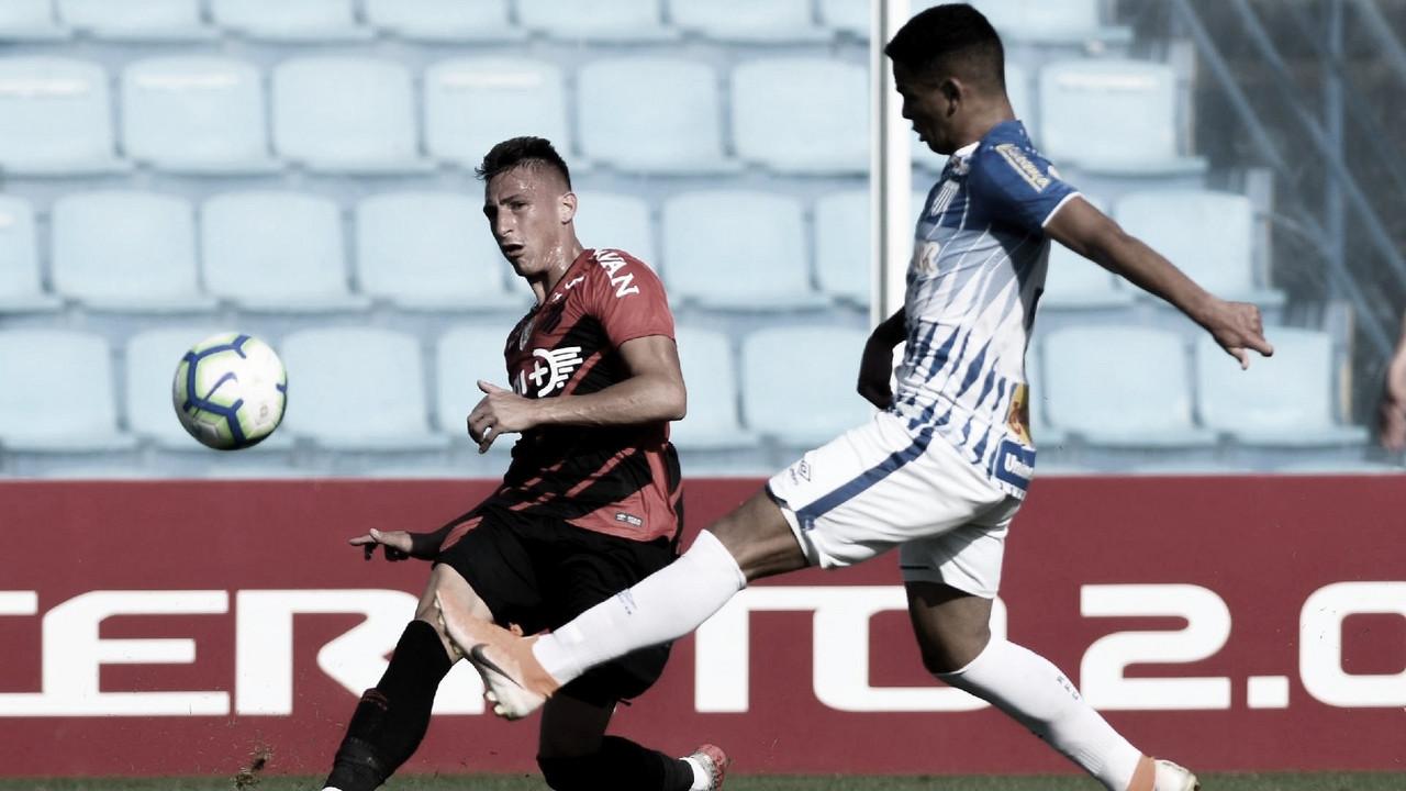 Após perder invencibilidade, Avaí desafia Athletico na Copa do Brasil