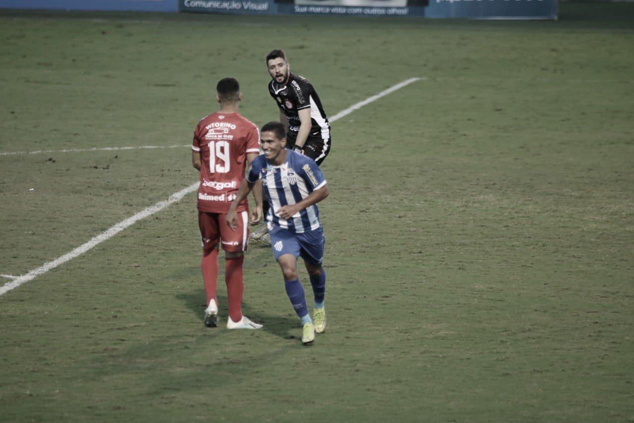 Avaí passa bem pelo Hercílio Luz e chega ao sexto jogo sem sofrer gols na temporada