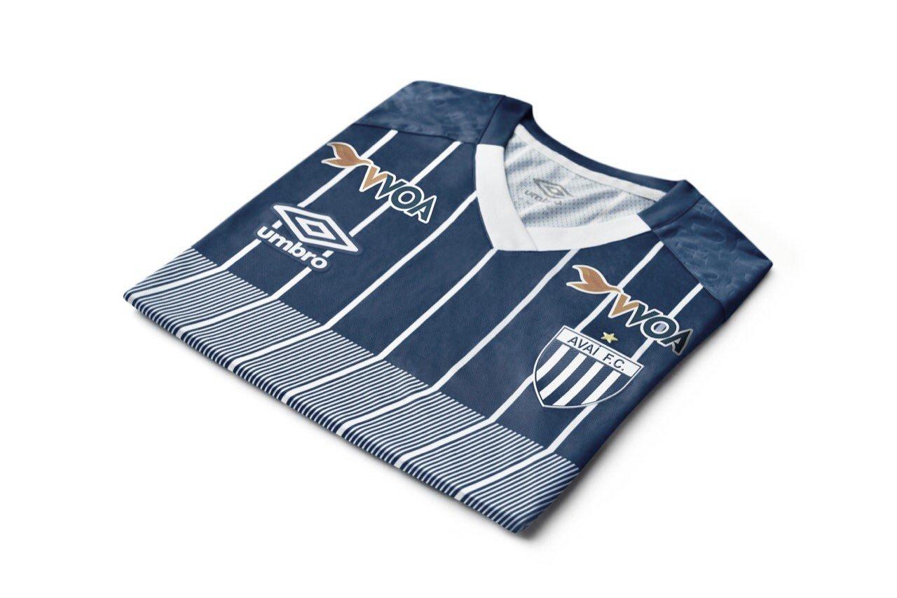 Com inspiração nos anos 1990, Umbro divulga novo terceiro uniforme do Avaí