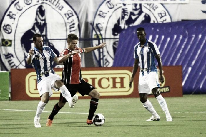 Tentando manter aproveitamento perfeito em casa, Avaí joga clássico contra pressionado Joinville