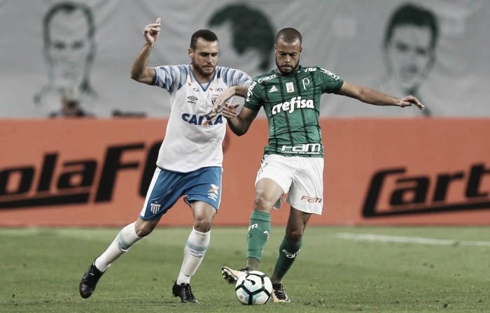 Avaí recebe Palmeiras para quebrar tabu e seguir vivo na luta pela permanência