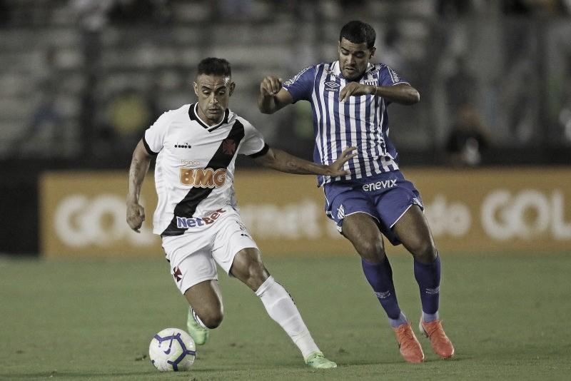 Sob pressão, Avaí faz confronto decisivo contra Vasco na possível despedida do técnico Valentim