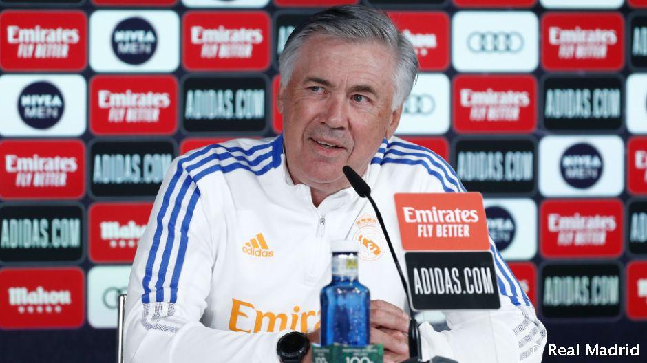 """Carlo Ancelotti: """"Estoy entrenando a Marco en una posición algo más distinta de la normal"""""""