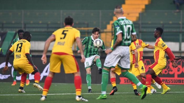 Serie B - Derby campano a Benevento tra sogni di playoff e salvezza: arriva l'Avellino