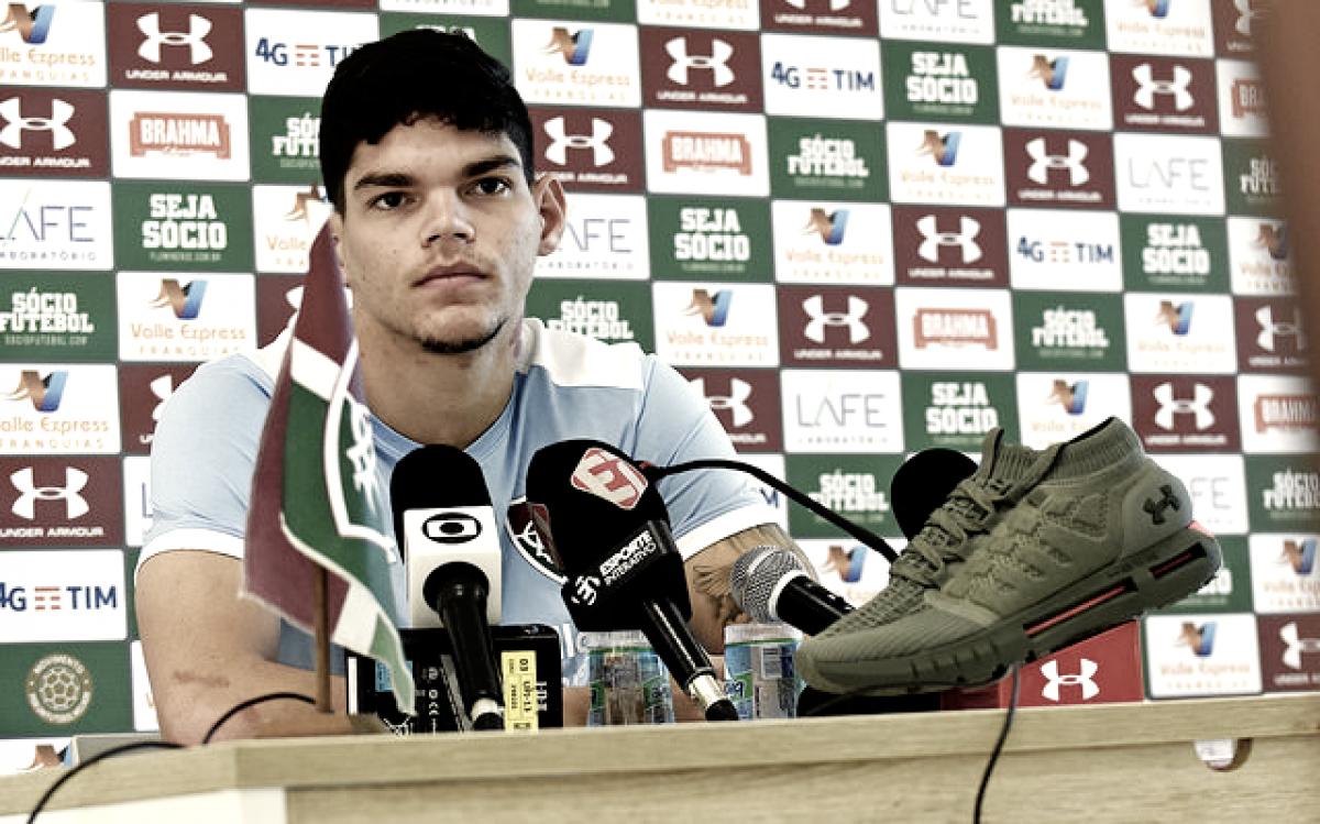 "Ayrton Lucas sobre resultados negativos do Fluminense: ""Precisamos pensar no que estamos errando"""
