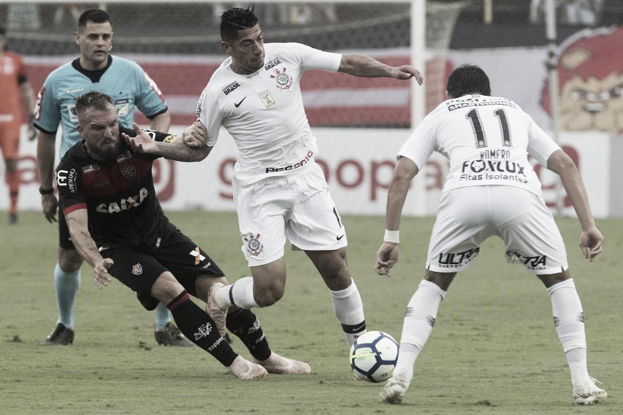 Em jogo com final eletrizante, Vitória e Corinthians empatam no Barradão