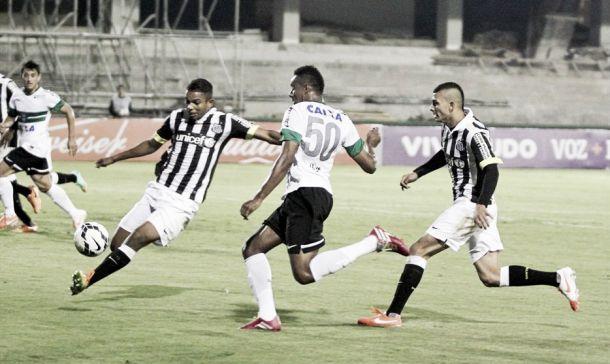 Em situações opostas, Santos e Coritiba fazem duelo de reafirmação na Vila Belmiro