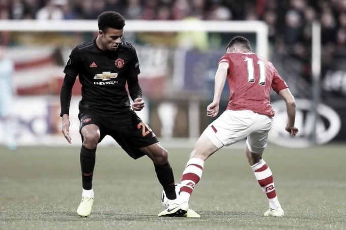 Manchester United joga mal, mas segura empate com AZ Alkmaar na Holanda
